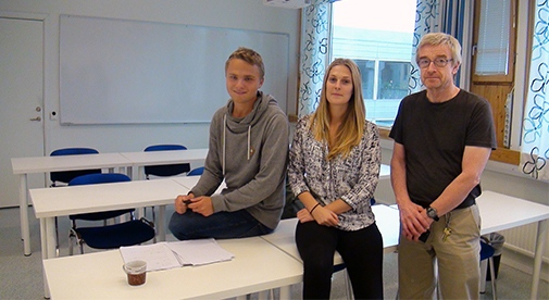 Tobias Lord, third year student at the Bachelor programme, study adviser Malva Lindborg and janitor Janne Söderlund.