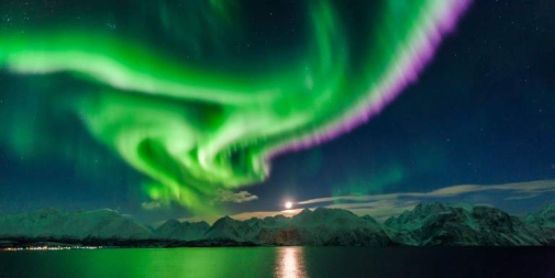 Nitrogen fringe aurora over Lyngenfjord, Norway. Photo: Jan R. Olsen, visitnorway.com